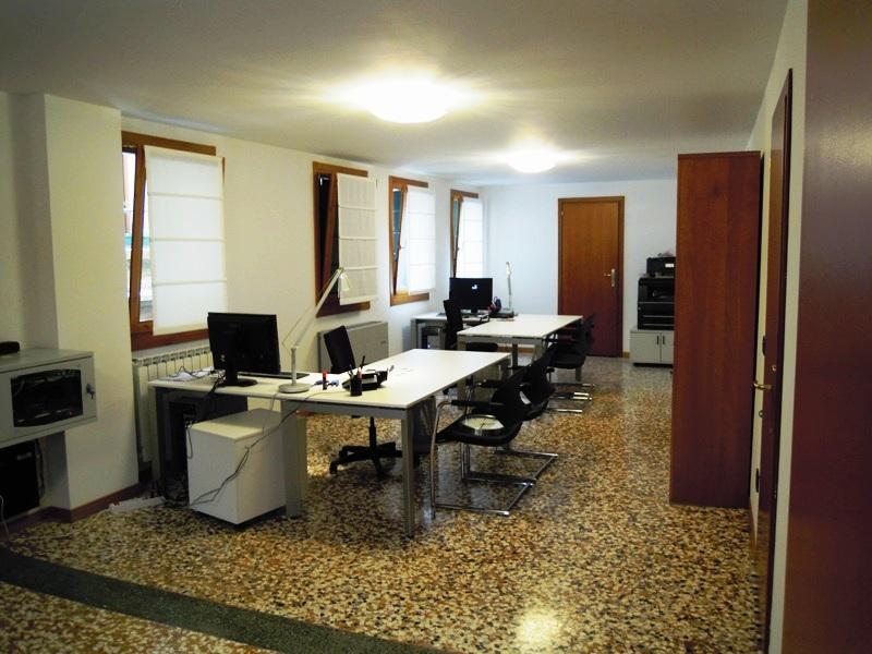 Arredamenti agenzia immobiliare sant 39 andrea geo arreda for Arredamenti ufficio roma